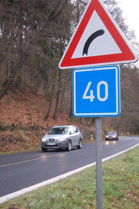 Nová dopravní značka doporučující čtyřicítku.