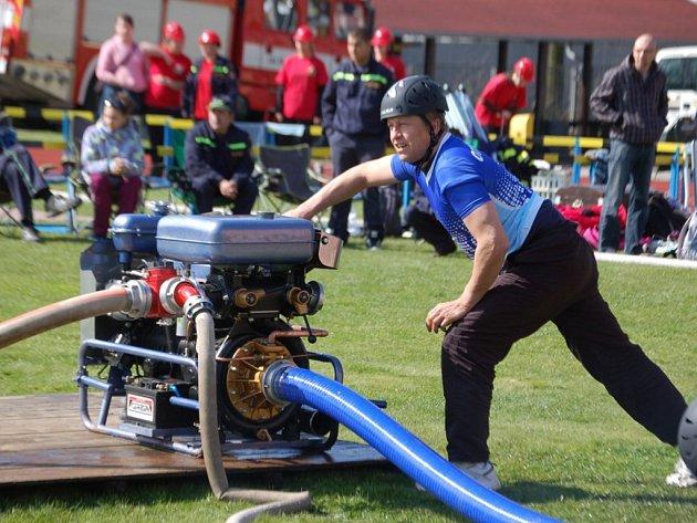 Soutěž krajské ligy hasičů v požárním útoku