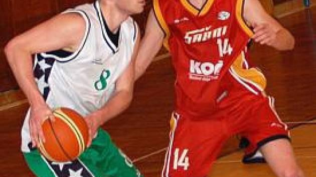 II. basketbalová liga: BK Sokolov - Sršni Písek (v červeném)