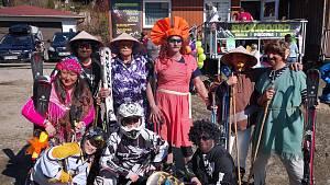 Karneval na lyžích si užily celé rodiny