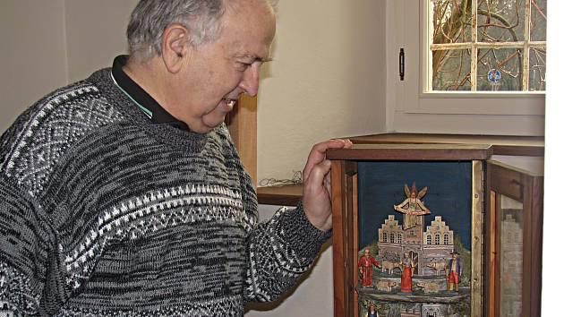 Sbírka betlémů v sokolovském muzeu se rozrostla o další exponát. Pochází z Příbramska a pro muzeum je cenný tím, že je to betlém s hornickou tematikou.