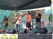 Stovky návštěvníků si o víkendu na festivalu Folková Ohře vychutnaly řadu muzikantů. Mezi nimi byli i Žalman a spol., Roháči či kompletní kapela Klíč (na snímcích).