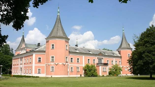 Muzeum sídlí v sokolovském zámku.