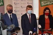 Premiér Andrej Babiš spolu s ministry Karlem Havlíčkem a Janou Maláčovou při návštěvě Sokolova