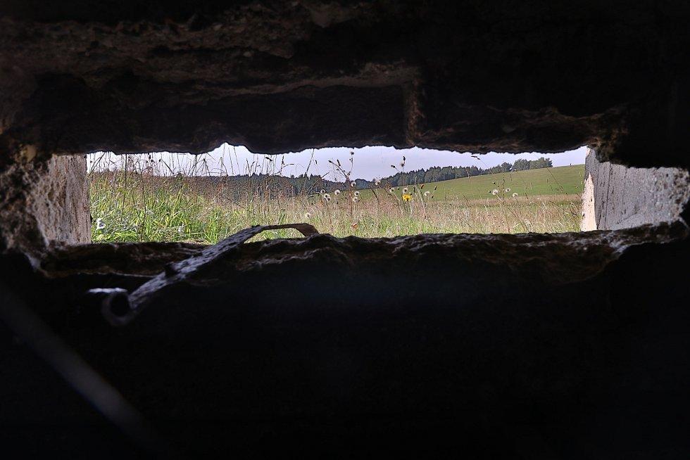 Ze zaniklého Smrkovce, vojenského výcvikového prostoru a raketové záklany.
