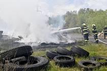 Pálení klestí se vymklo, zasahovaly čtyři jednotky hasičů.