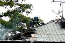 Požár rodinného domu v Sokolově.