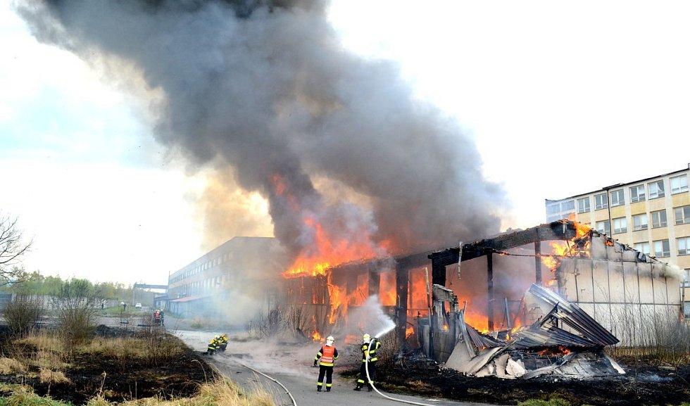Požár v Ostrově.