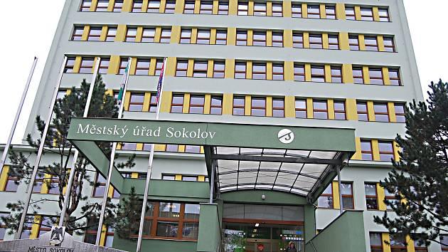 Město ukončilo své členství v Hospodářské a sociální radě Sokolovska