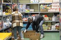 V sobotní sbírce darovali lidé v Karlovarském kraji potřebným 10,5 tuny potravin a drogerie.