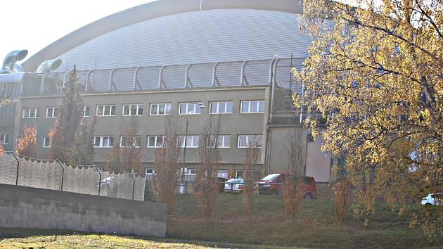 Zimní stadion už spolykal téměř 200 milionů korun
