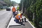 Od konce roku už obyvatelům Chranišova slouží nový chodník