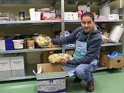 Zaplní se v sobotu regály potravinové banky díky Národní potravinové sbírce? Ptá se i ředitel Milan Hloušek (na snímku).