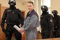 ROBERT TEMPEL u soudu.