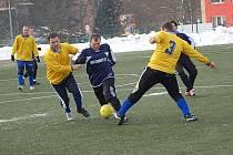 Zimní turnaj SSZ: Baník Habartov (v modrých dresech) - Olympie Hroznětín