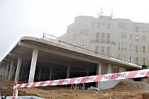 Stavba parkovacího domu v sokolovské nemocnici