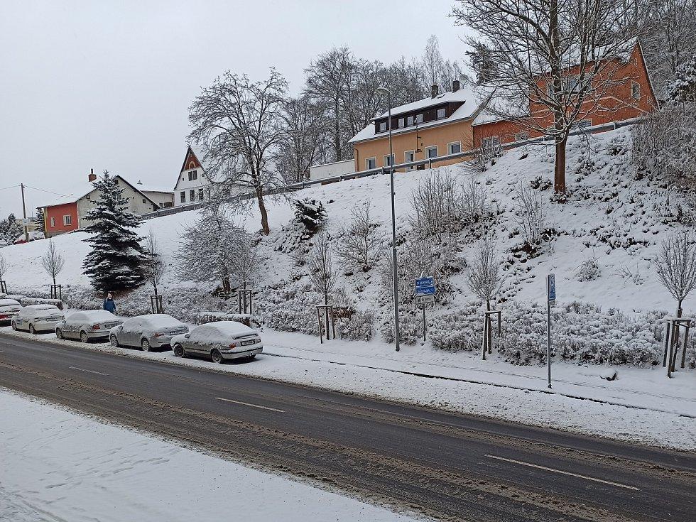 Zima je zpět. Na horách připadne až půl metru sněhu