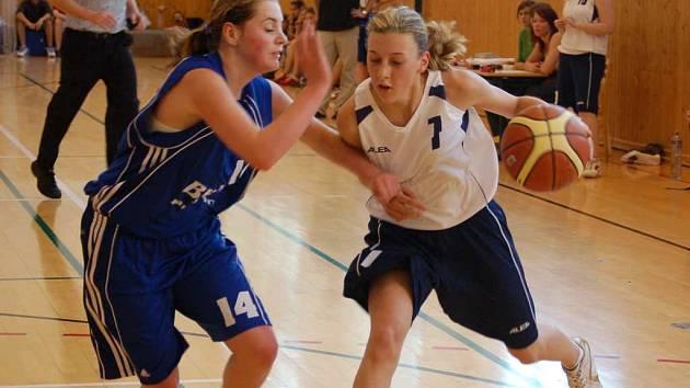Mladší dorostenky BCM Sokolov vyhrály nejen ligu, ale i následnou kvalifikaci o soutěž nejvyšší.