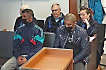 Dva ze tří obžalovaných útočníků před sokolovským soudem