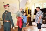 Dokumenty, fotografie a ostatní exponáty přibližují 2. světovou válku globálně i se zaměřením na náš region.