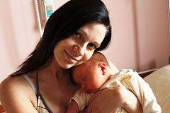 Denny Boula ze Sokolova se narodil 6. srpna v 16:15 ve Fakultní nemocnici v Plzni. Na svět přišel s váhou 4,470 kg a mírou 53 cm. Z malého Dennyho mají radost maminka Gabriela, tatínek Marek Boula a tříletá sestřička Nelly.