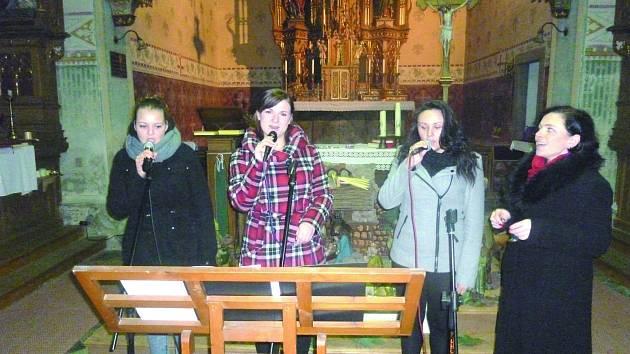 BENEFIČNÍ koncert ve Stříbrné sklidil úspěch. Zazpívaly talentované zpěvačky z Kraslic.