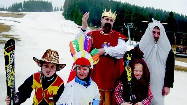 Sezónu v Bublavě ukončil karneval.