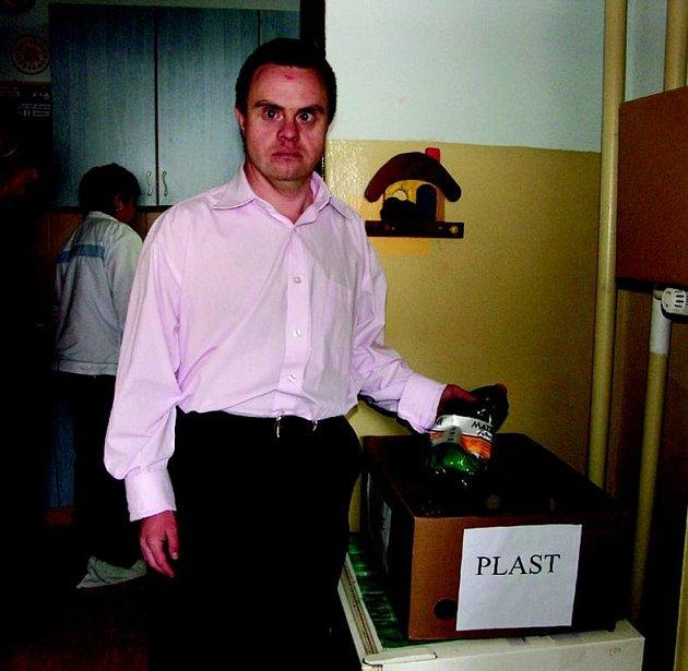 Třídění odpadu je pro klienty Mateřídoušky hrou