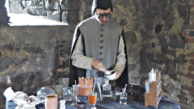 Petr Zavadilík alias Gorvin předvedl své pokusy i v Lokti.