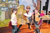 BŘEZEN, měsíc čtenářů, vyvrcholí hned v několika knihovnách oblíbenou Nocí s Andersenem.