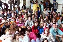 Na apríla šli studenti do školy v pyžamu.