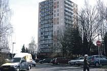 Jedny z posledních bytových jednotek, které vlastní město Sokolov, jsou na sídlišti Michal. Další jsou na náměstí Budovatelů a v bývalém hotelu Ohře.