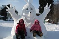 POHÁDKOVÉ bytosti ze sněhu se líbí hlavně dětem.
