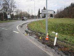 Na snímku místo dopravní nehody, kde se auto srazilo s cyklistou.