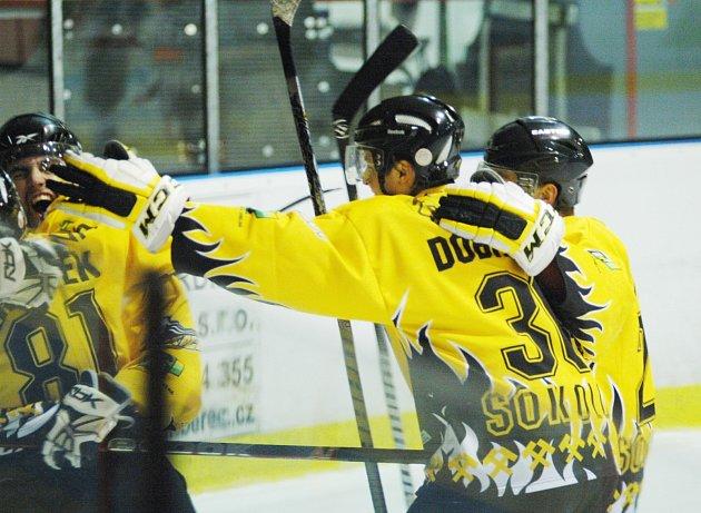 Play off druhé hokejové ligy, 1. zápas: HC Děčín - HC Baník Sokolov