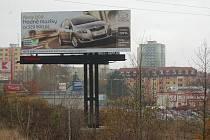 O podobná místa, jako je příjezd do Sokolova ze Starého Sedla, má zájem firma , která na nich hodlá umístit billboardy.