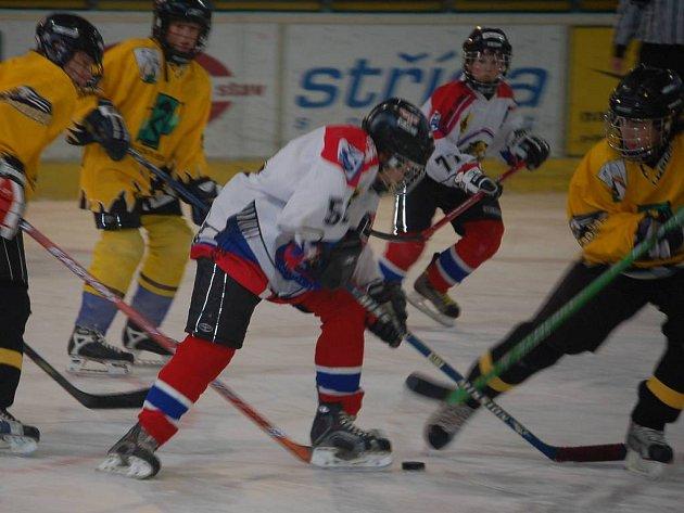 Z víkendového zápasu osmáků HC Baník.