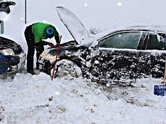 Někteří řidiči měli v mrazu problém nastartovat svůj vůz