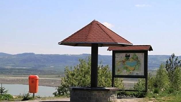 Do Habartova nedaleko od Sokolova by měli vyrazit milovníci nádherných výhledů.