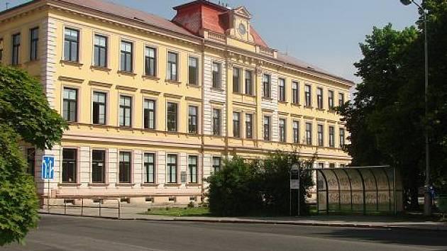 Základní škola, Rokycanova, centrálka