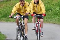Hokejisté Baníku Sokolov v cyklistickém výšlapu na Hruškovou