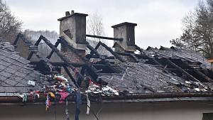 Požár rodinného domu v Lokti