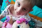 Pětiletá Nelinka potřebuje nákladnou léčbu, pomozte i vy.