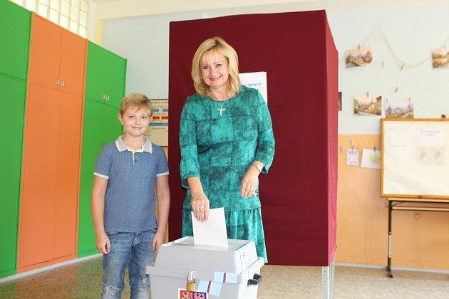Renata Oulehlová při senátních volbách vroce 2018