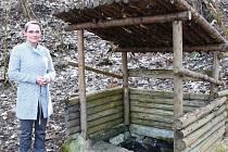 Dasnice byly letos rovněž úspěšné v programu Zelené oázy Nadace Partnerství, kdy získaly grant na obnovu místní studánky (na snímku).