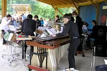 FESTIVAL UPROSTŘED EVROPY pokračoval v obci Šabina. Představili se zde studenti z hofské hudební školy.