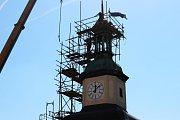 Černá věž uchová schránku se vzkazem pro budoucnost