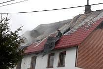 Požár rekreačního objektu v Přebuzi.