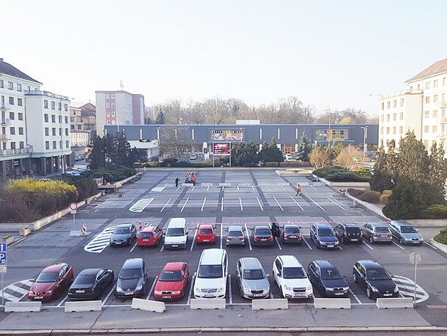 Sokolovské náměstí Budovatelů.