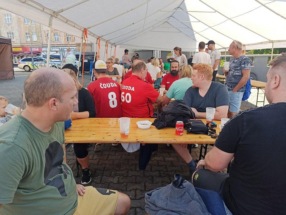 Živý stolní fotbal v Kraslicích
